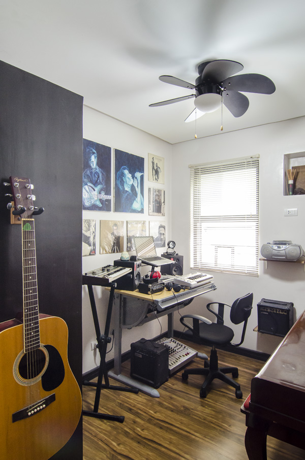 The music room, which, despite its small size, contains the MIL's piano and an assortment of musical instruments—electric and acoustic guitars, amplifiers, keyboards, etc. Those two paintings are by the hubby :) (photo courtesy of Toto Labrador/Cosmopolitan Philippines)