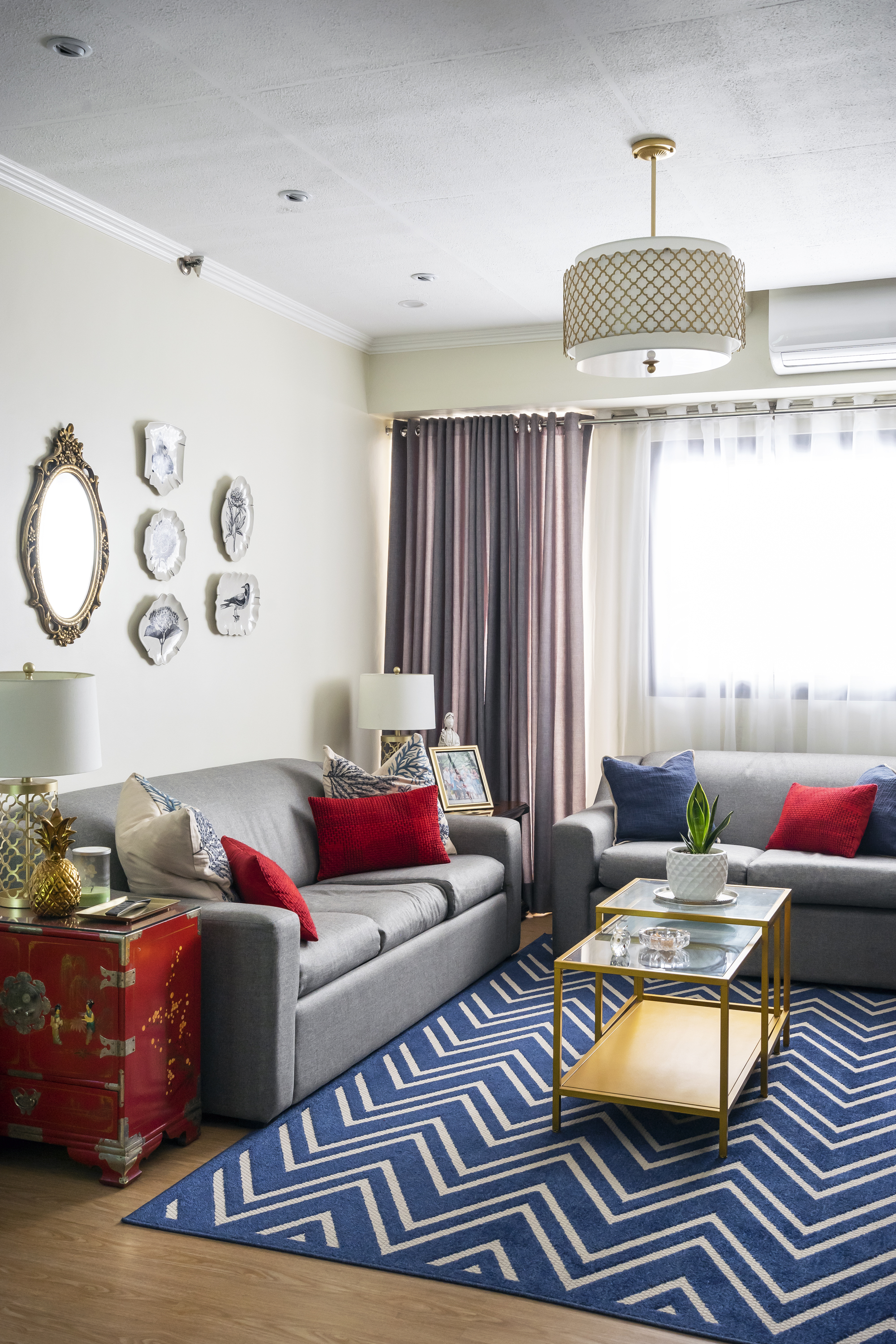 Blue and red Oriental-inspired living room
