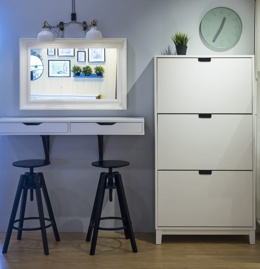 home entryway furniture pieces for small condo units